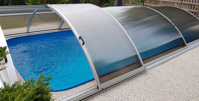 Boční dveře bazénu pro snadný vstup