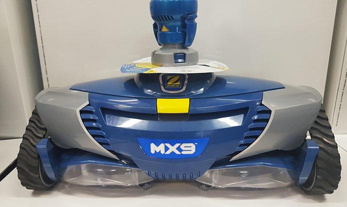 Vysavač MX 9 na čištění bazénu